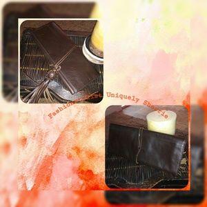 🍌 Republic Leather Clutch